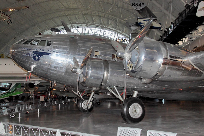 Boeing B-307 Stratoliner - Clipper Flying Cloud: mit Druckkabine