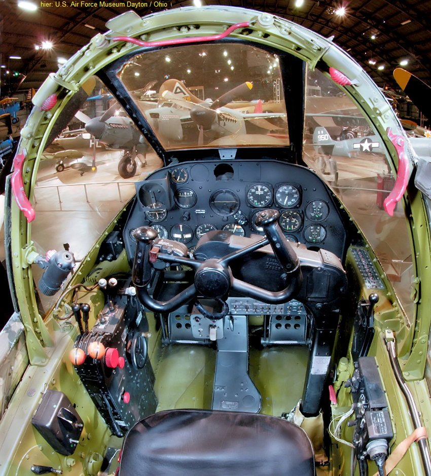 Cockpit der Lockheed P-38L Lightning