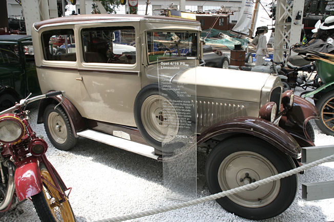 Opel 4 / 16 PS Limousine