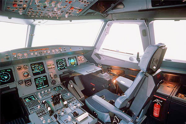 Cockpit  Airbus A-320