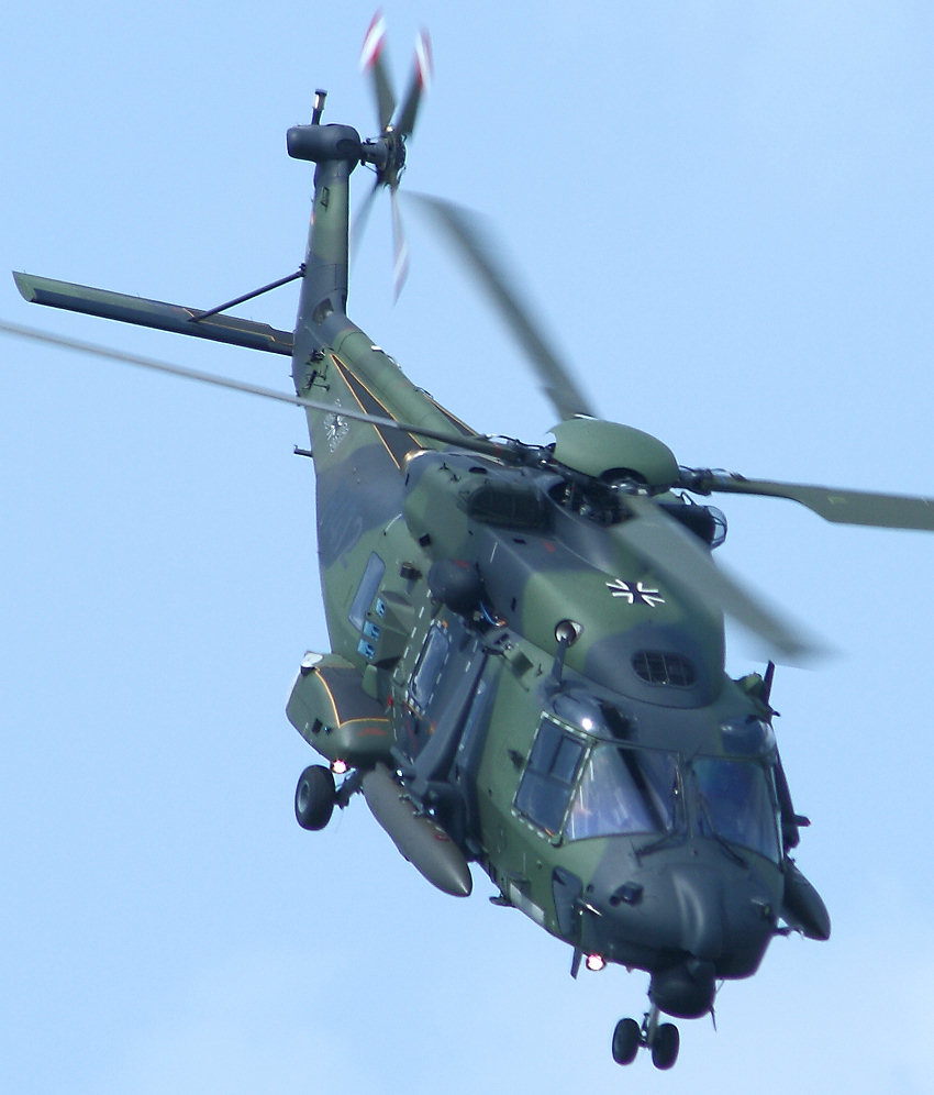 NH 90 Industries - Sturzflug