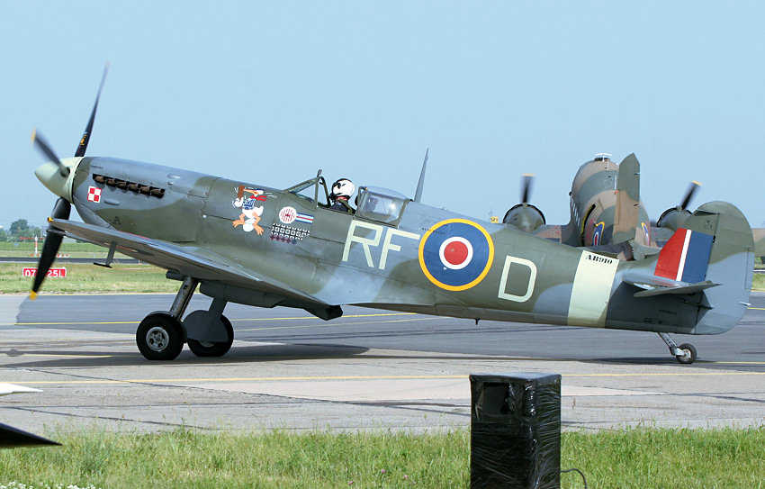 "Spitfire: Flugzeug der ""Battle of Britain Memorial Flight"""