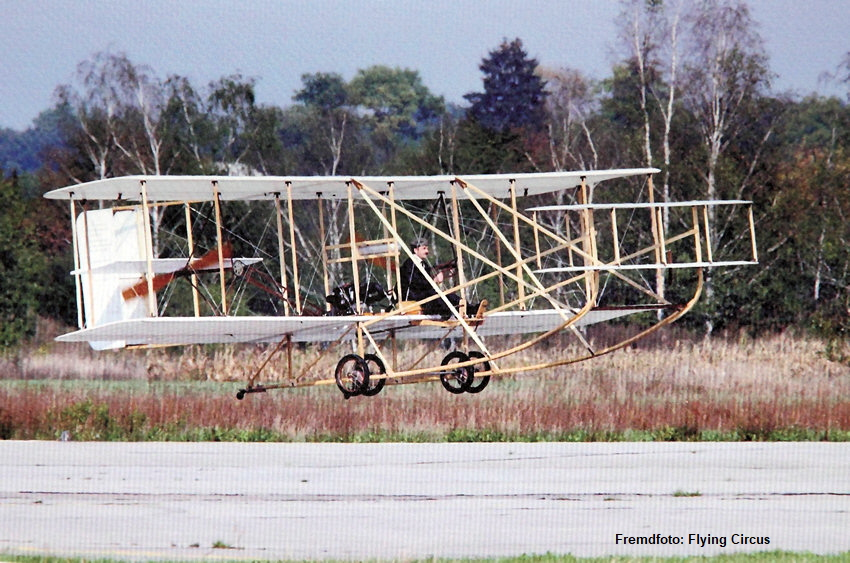 Wright Flyer III: Wright Brothers Aviation Center im Carillon Historical Park in Dayton (Ohio)