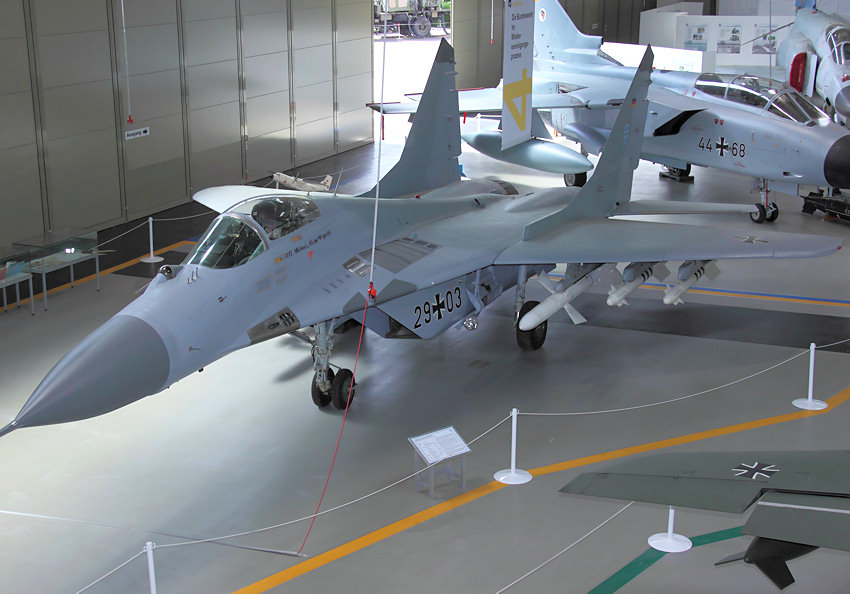 MiG-29_-_von_oben.jpg