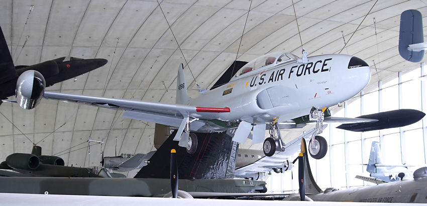 "Lockheed T-33A ""T-Bird"":  2-sitzige Version des 1. Düsenabfangjägers der U.S. Air Force"