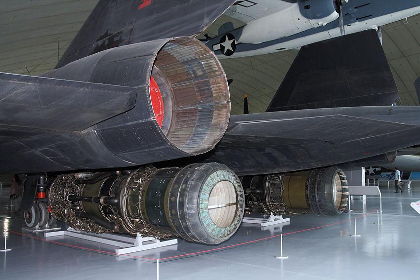 SR-71_Triebwerke.jpg
