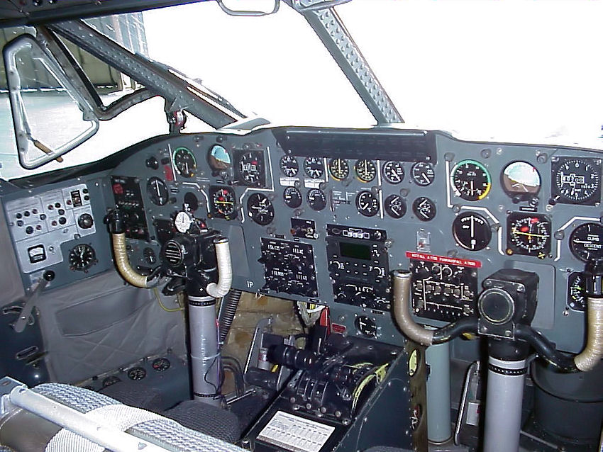 Short S.C.7 Skyvan: Cockpit