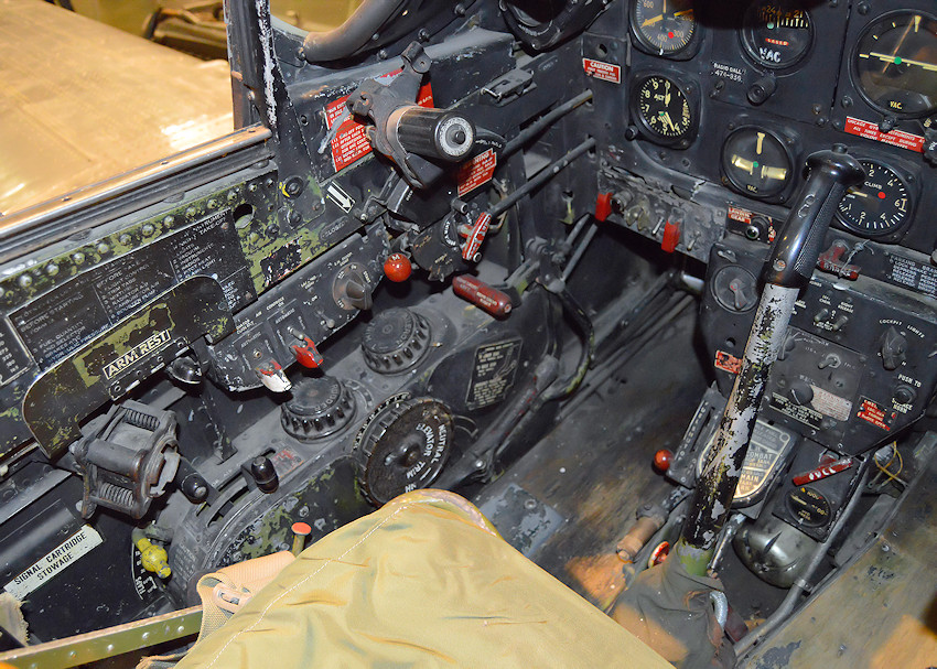 North American P-51D - Cockpit links