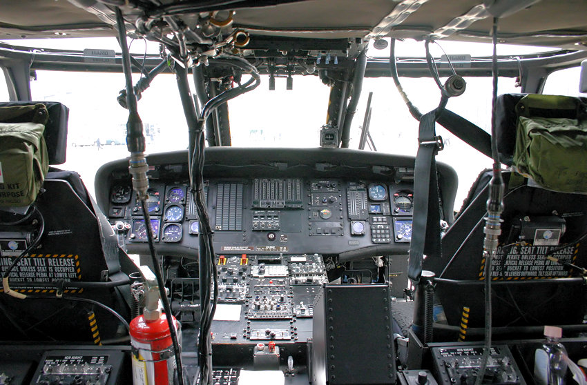 Sikorsky UH60 - Cockpit