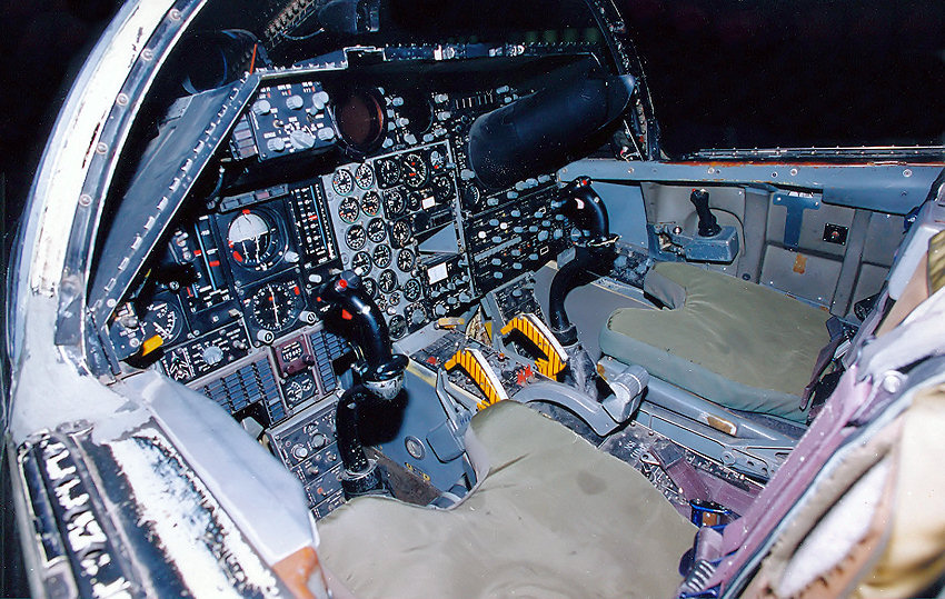 General Dynamics F-111A Aardvark: Das erste in Serie ...