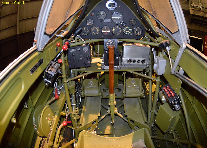 North American T-6D Mosquito - Cockpit hinten